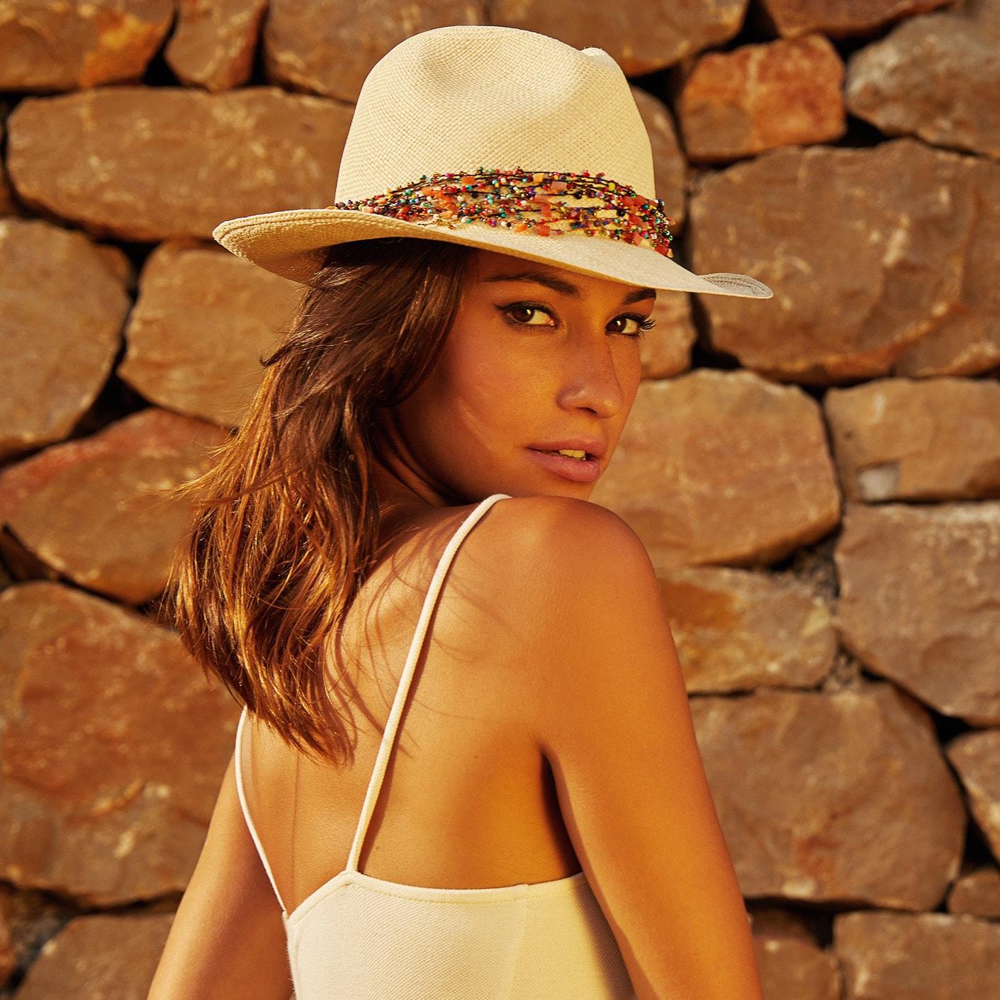 square-calypso-fiesta-women-wearing-pachacuti-panama-hat-0050-photoshoot